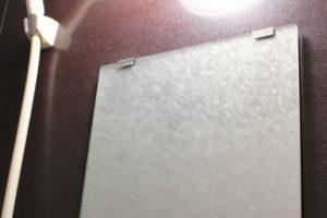 浴室の鏡の水垢