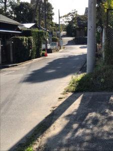 観明寺の駐車場に続く道